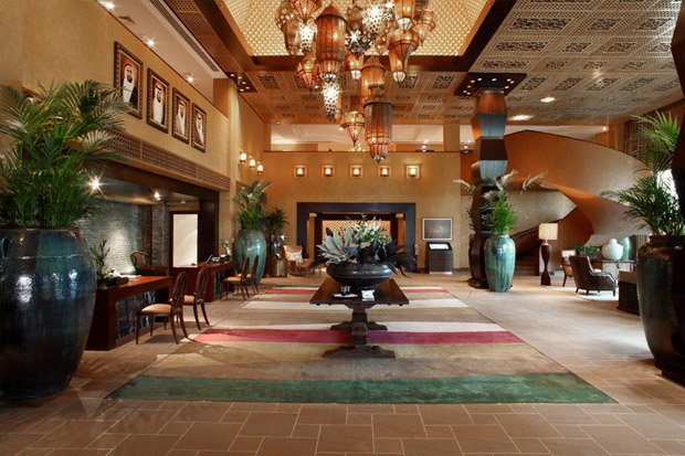 /DataFolder/Images/Where_to_stay/Desert-Island-Resort-Hotel/02-Desert-Island-Resort-Hotel-Lobby.jpg