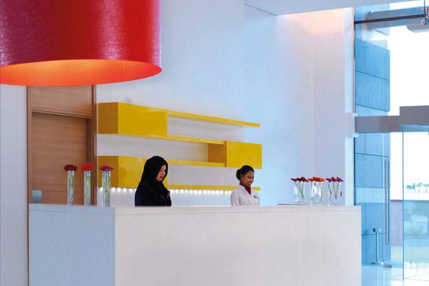 /DataFolder/Images/Where_to_stay/Park-Inn-by-Radisson-Abu-Dhabi-Yas/02-Park-Inn-by-Radisson-Abu-Dhabi-Yas-Lobby.jpg