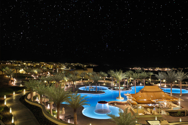 /DataFolder/Images/Where_to_stay/Qasr-Al-Sarab-Desert-Resort/02-Qasr-Al-Sarab-Desert-Resort-Pool.jpg