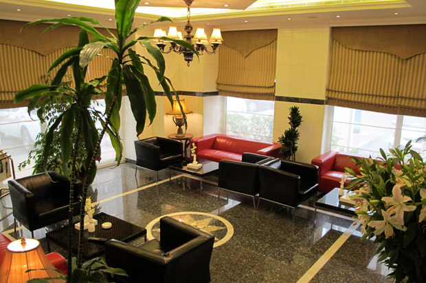 /DataFolder/Images/Where_to_stay/Royal-Regency-Hotel-Apartments/02-Royal-Regency-Hotel-Apartments-Lobby.jpg