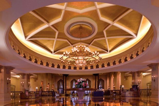 /DataFolder/Images/Where_to_stay/Shangri-La-Hotel-Qaryat-Al-Beri/02-Shangri-La-Hotel-Qaryat-Al-Beri-Lobby.jpg