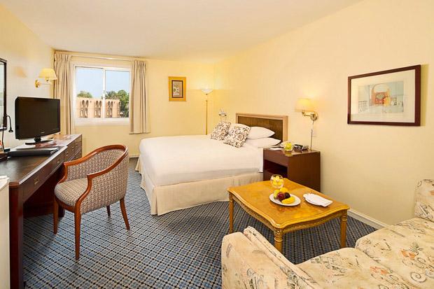 /DataFolder/Images/Where_to_stay/Al-Dhafra-Beach-Hotel/03-Al-Dhafra-Beach-Hotel-Bed-Room.jpg
