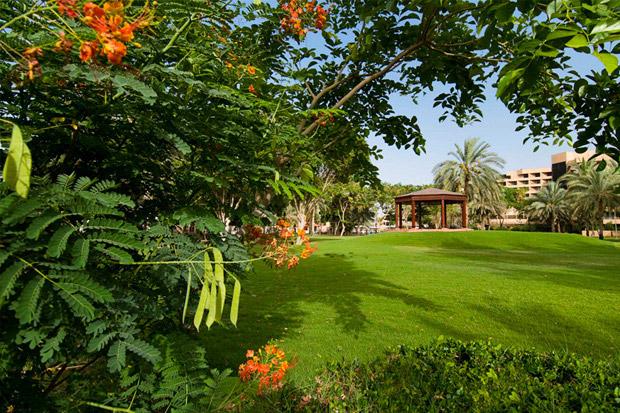 /DataFolder/Images/Where_to_stay/Danat-Al-Ain-Resort/03-Danat-Al-Ain-Resort-Garden.jpg