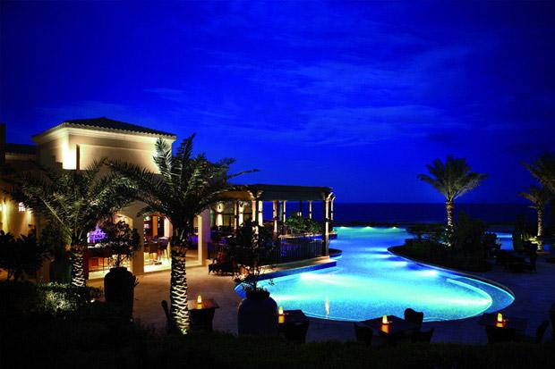 /DataFolder/Images/Where_to_stay/Desert-Island-Resort-Hotel/03-Desert-Island-Resort-Hotel-Swimming-Pool.jpg