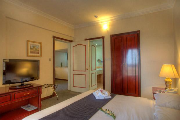 /DataFolder/Images/Where_to_stay/Al-Diar-Mina-Hotel/04-Al-Diar-Mina-Hotel-Bed-Room.jpg