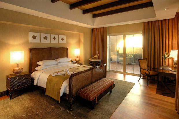 /DataFolder/Images/Where_to_stay/Desert-Island-Resort-Hotel/04-Desert-Island-Resort-Hotel-Royal-Villa-bedroom.jpg