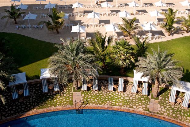 /DataFolder/Images/Where_to_stay/Shangri-La-Hotel-Qaryat-Al-Beri/04-Shangri-La-Hotel-Qaryat-Al-Beri-Pool.jpg