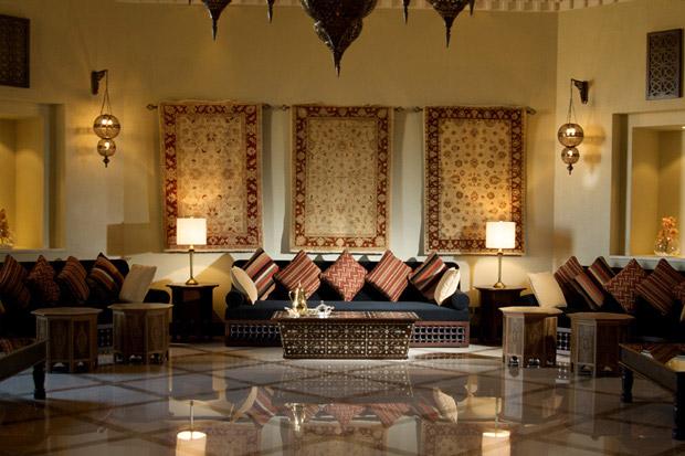 /DataFolder/Images/Where_to_stay/Tilal-Liwa-Hotel/04-Tilal-Liwa-Hotel-Ballr-Room-Majlis.jpg