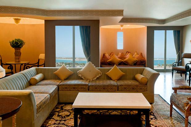 /DataFolder/Images/Where_to_stay/Sheraton-Abu-Dhabi-Hotel/05-Sheraton-Abu-Dhabi-Hotel-Room.jpg
