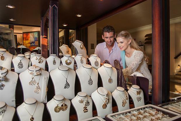 /DataFolder/Images/What_to_do/Shopping/Lifestyle_and_community/Souk-Qaryat-Al-Beri/05-Souk-Qaryat-Al-Beri-Jewellry.jpg