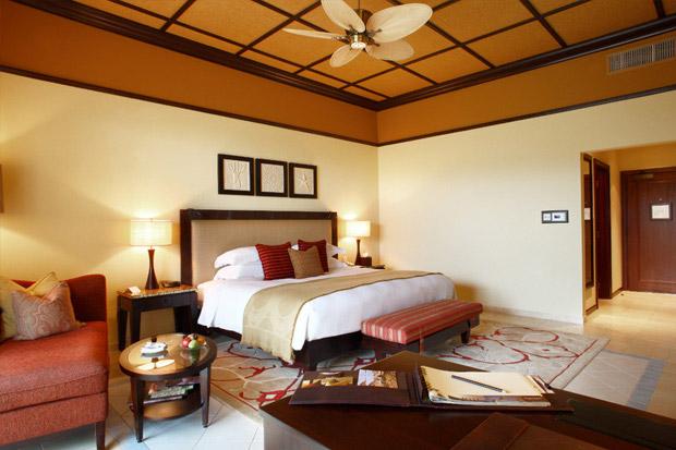 /DataFolder/Images/Where_to_stay/Desert-Island-Resort-Hotel/06-Desert-Island-Resort-Hotel-Deluxe-Room.jpg