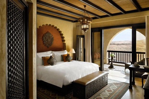 /DataFolder/Images/Where_to_stay/Qasr-Al-Sarab-Desert-Resort/06-Qasr-Al-Sarab-Desert-Resort-Deluxe-Balcony-Room.jpg