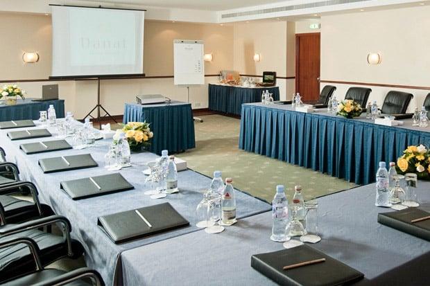 /DataFolder/Images/Where_to_stay/Danat-Al-Ain-Resort/07-Danat-Al-Ain-Resort-Meeting-Room.jpg