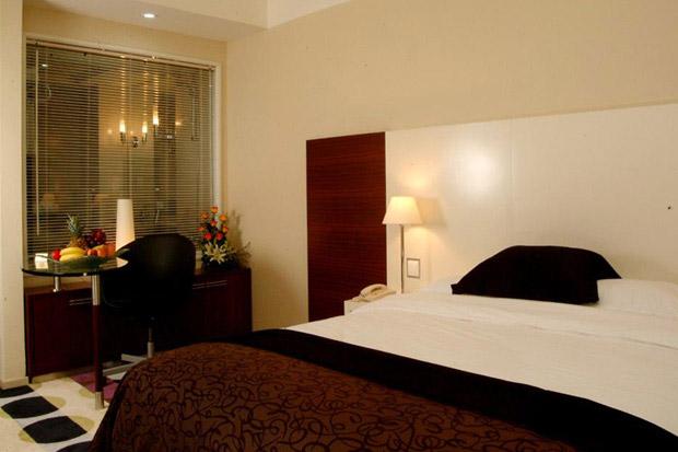 /DataFolder/Images/Where_to_stay/Kings-Gate-Hotel/07-Kings-Gate-Hotel-Room.jpg
