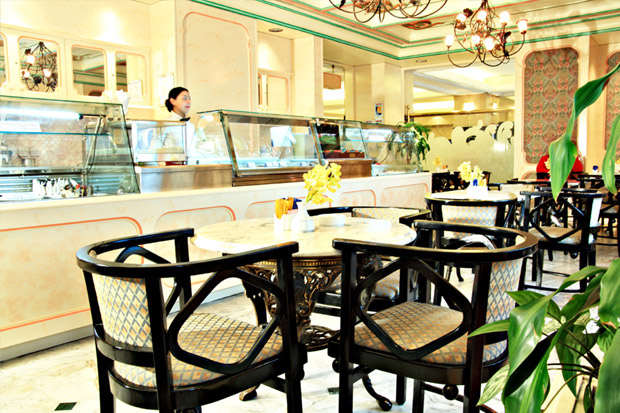 /DataFolder/Images/Where_to_stay/Mercure-Abu-Dhabi-Center-Hotel/07-Mercure-Abu-Dhabi-Center-Hotel-La-Opera.jpg