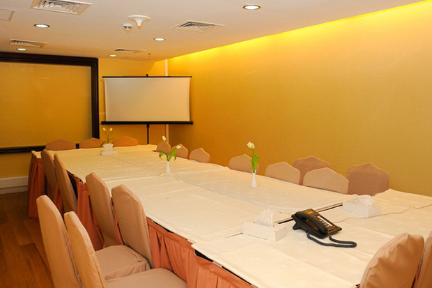 /DataFolder/Images/Where_to_stay/Murjan-Asfar-Hotel-Apartments/07-Murjan-Asfar-Hotel-Apartments-Meeting-Room.jpg