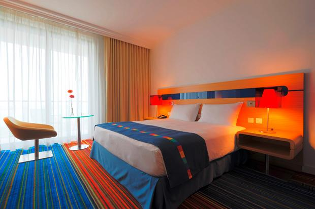 /DataFolder/Images/What_to_see/Plan_your_F1/Explore_Yas_Island/Yas_Viceroy_Yas_Plaza_Hotels/07_Accommodation-MAIN-IMAGE_Radisson_Park_Inn_F1_Abu_Dhabi.jpg