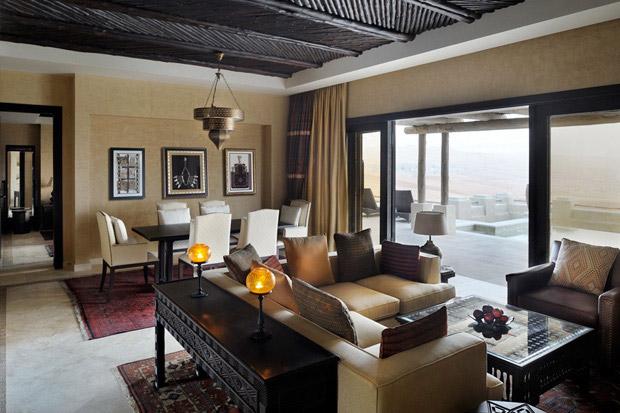 /DataFolder/Images/Where_to_stay/Qasr-Al-Sarab-Desert-Resort/08-Qasr-Al-Sarab-Desert-Resort-Villa-living-room.jpg