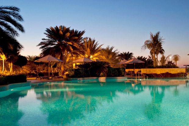 /DataFolder/Images/Where_to_stay/Sheraton-Abu-Dhabi-Hotel/09-Sheraton-Abu-Dhabi-Hotel-Pool.jpg