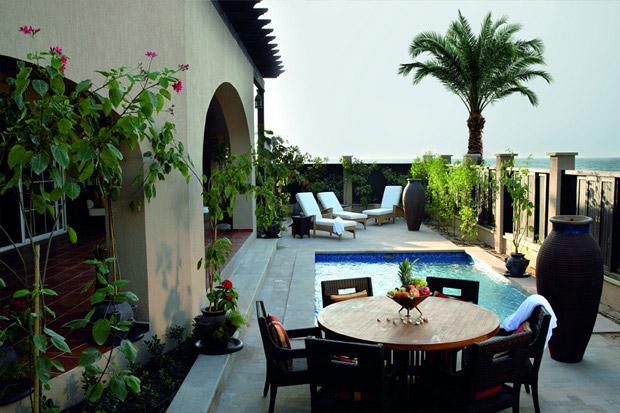 /DataFolder/Images/Where_to_stay/Desert-Island-Resort-Hotel/10-Desert-Island-Resort-Hotel-Family-Pool-Villa.jpg
