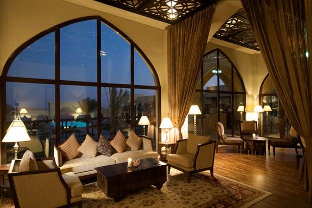 /DataFolder/Images/Where_to_stay/Tilal-Liwa-Hotel/11-Tilal-Liwa-Hotel-Layali-Bar.jpg