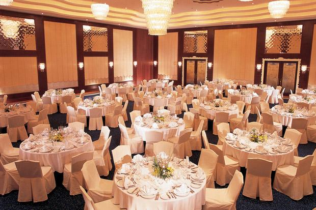 /DataFolder/Images/Where_to_stay/Danat-Jebel-Dhanna-Resort/13-Danat-Jebel-Dhanna-Resort-Baynoona-Ballroom.jpg
