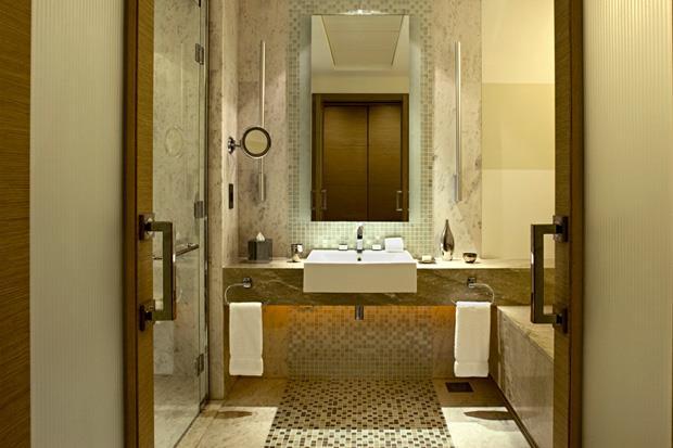 /DataFolder/Images/Where_to_stay/Hilton-Capital-Grand-Abu-Dhabi/13-Hilton-Capital-Grand-Abu-Dhabi-Classic-Room-Bathroom.jpg