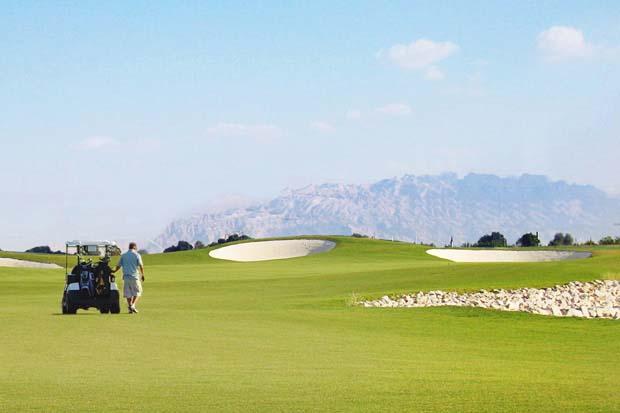 Al Ain Equestrian and Golf Club Jebel Hafeet Background