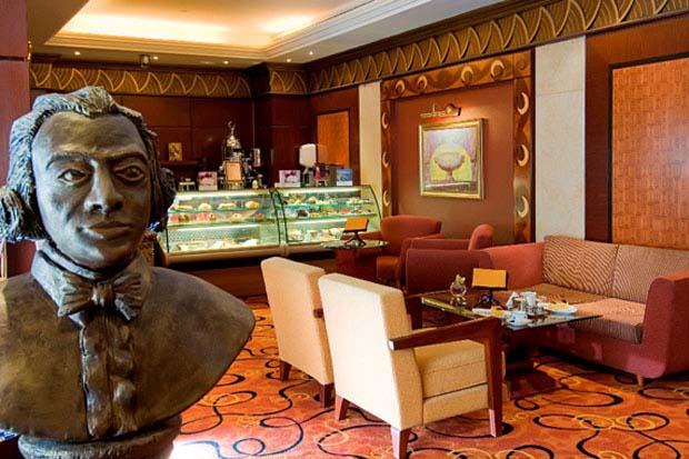 Al Raha Beach Hotel Cafe Mozart