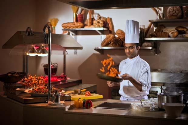 Cristal Hotel Abu Dhabi Gems Restaurant