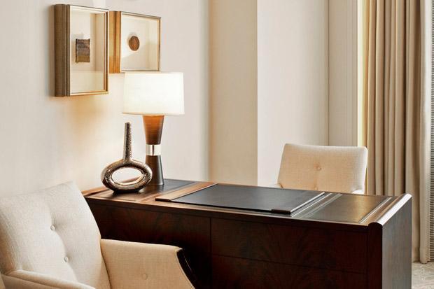 /DataFolder/Images/Where_to_stay/St-Regis-Abu-Dhabi/27-St-Regis-Abu-Dhabi-Guest-Room---Work-Desk.jpg