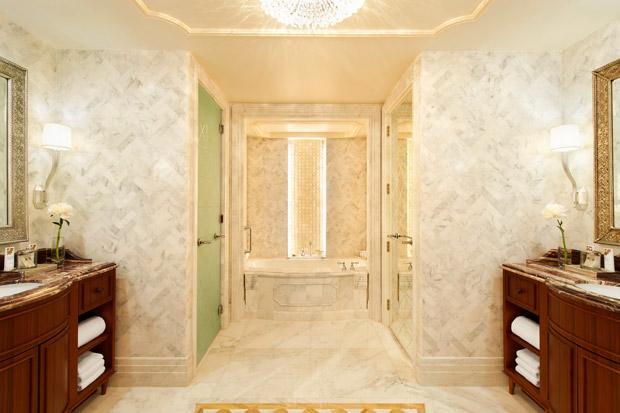 /DataFolder/Images/Where_to_stay/St-Regis-Abu-Dhabi/32-St-Regis-Abu-Dhabi-St-Regis-Suite---Bathroom.jpg