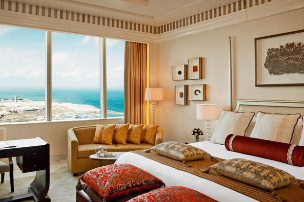 /DataFolder/Images/Where_to_stay/St-Regis-Abu-Dhabi/36-St-Regis-Abu-Dhabi-Superior-Room2.jpg