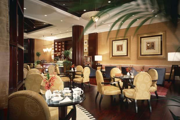 Beach Rotana Abu Dhabi Cafe Columbia