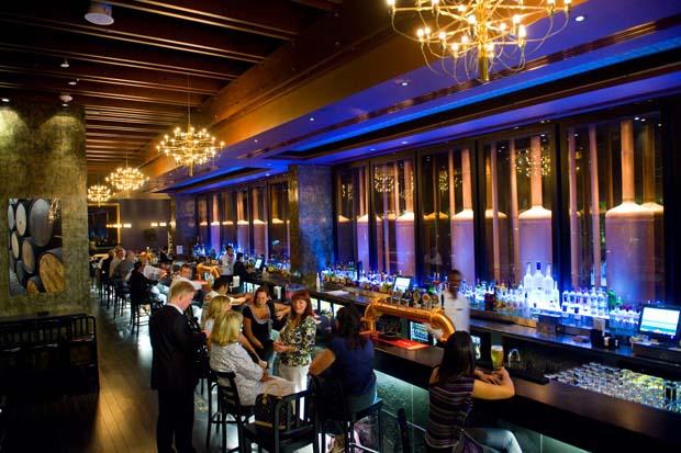 Crowne Plaza Abu Dhabi Yas Island Stills Bar Brasserie