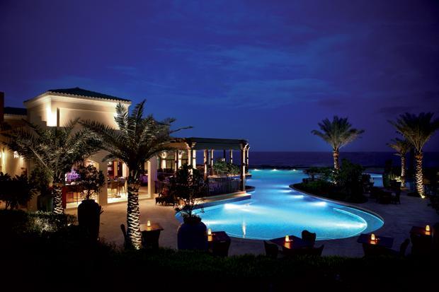 DataFolder/Images/General/Newsletter/Desert-Islands-Resort-Spa-by-Anantara_Pool-and-Shams.jpg