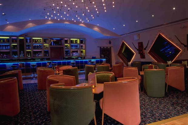 Lawrence's Bar & Restaurant. Mercure Grand Jebel Hafeet