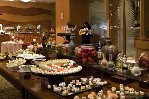 Le Belvedere Restaurant, Mercure Grand Jebel Hafeet