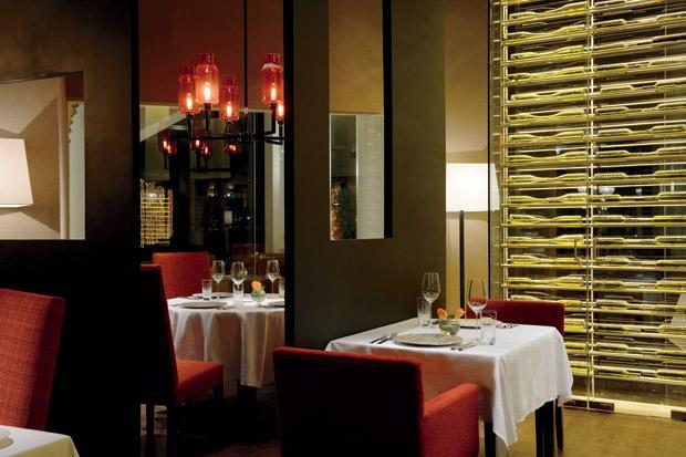 DataFolder/Images/Where_to_eat/Ritz-Carlton/Ritz-Carlton-The-Forge-steakhouse.jpg