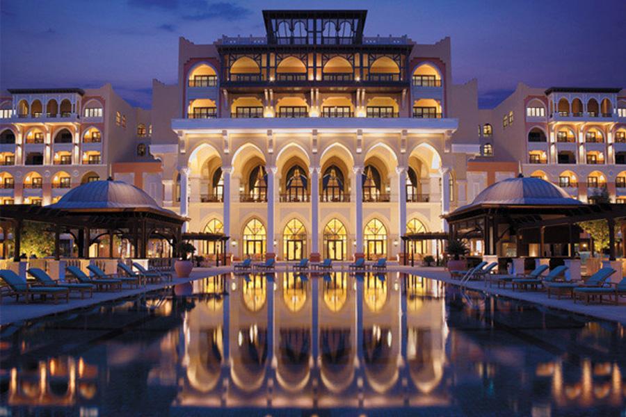 http://visitabudhabi.ae/en/where.to.stay/shangrila.hotel.qaryat.al.beri.abu.dhabi.aspx