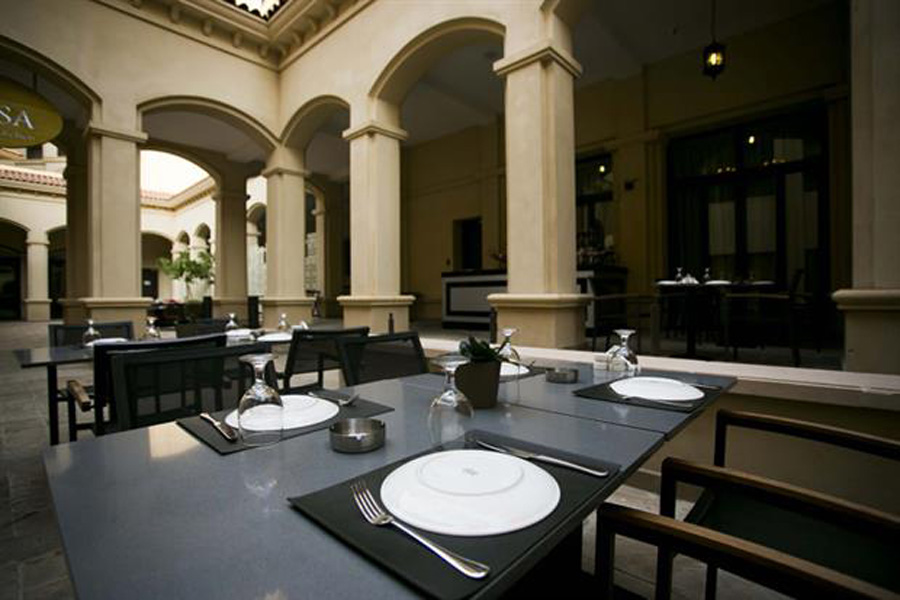 /DataFolder/Images/Where_to_eat/Wahab/02-The-Collection-Abd-El-Wahab-Lebanese-Restaurant.jpg
