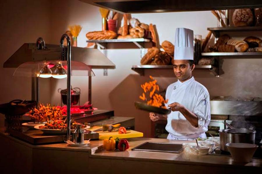 Gems Restaurant Cristal Hotel Abu Dhabi Visitabudhabi Ae