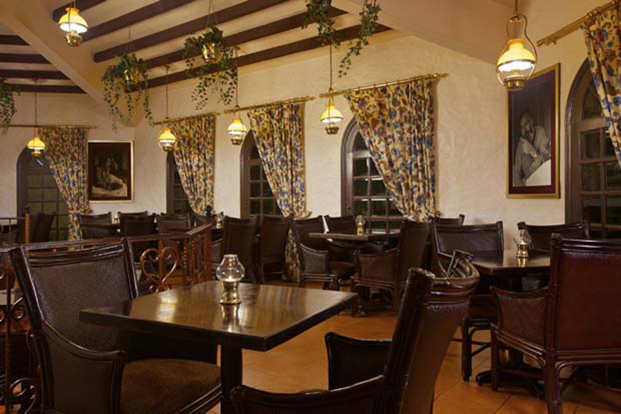 Hemingway 39 s restaurant and pub hilton abu dhabi for Ristorante cipriani abu dhabi