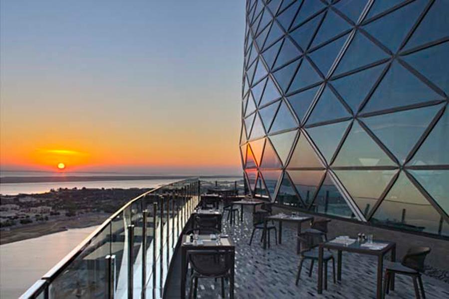 18 Degrees Hyatt Capital Gate Abu Dhabi Visitabudhabi Ae